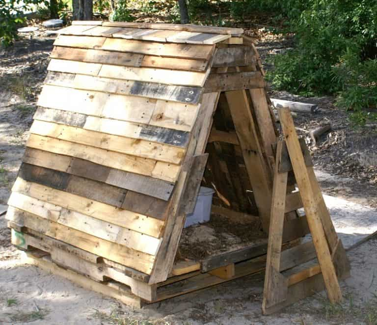 19 Portable Goat Shelter Ideas to DIY or Buy [for Small Farms With Big Ideas!]